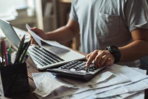 gemäß den Anforderungen an Rechnungen müsse die eindeutige Identifizierung der Leistung möglich sein, entschied das hessische Finanzgericht im Juni 2018.