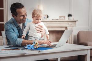 Die Steuerklasse entscheidet mit über die Höhe des Elterngelds
