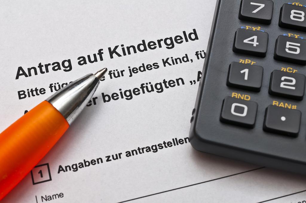 Kindergeld unterliegt für zugezogene EU-Bürger nicht zwingend einer Sperrfrist